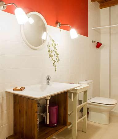 Baño rojo planta primera